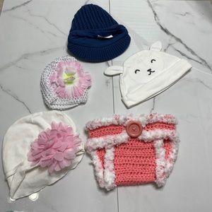 🥰Baby Girl Bundle hats with crocheted bottom🥰